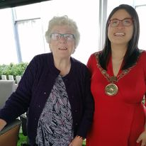 doras bui service user and the mayor at the mansion house